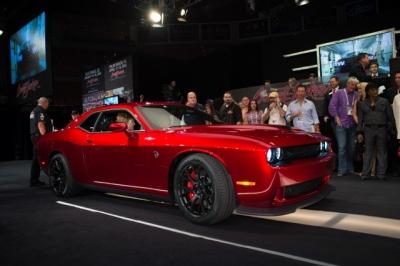 2015 Dodge Challenger Hellcat Barrett Jackson #2 (640x427)