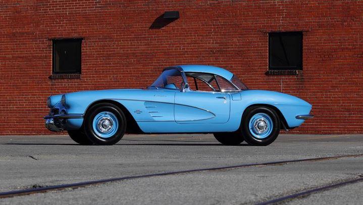1961 Chevrolet Corvette Mecum #2