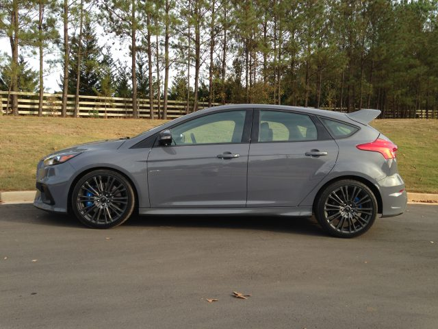 2016-ford-focus-rs-57
