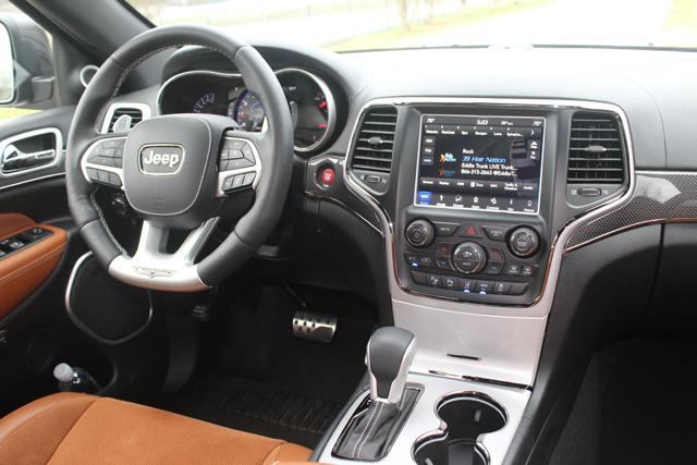 2018 Jeep Grand Cherokee Trackhawk HR (29)Use